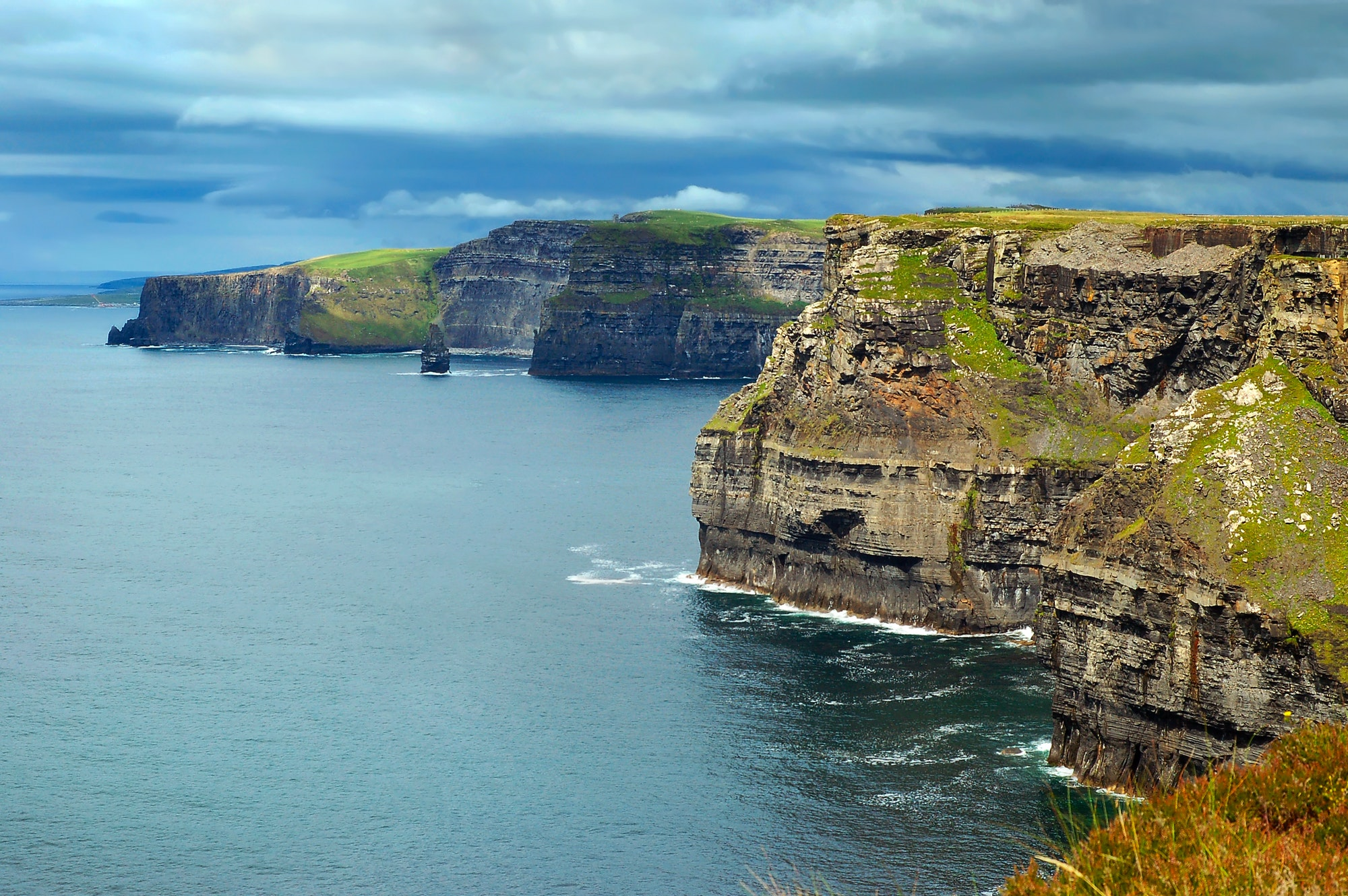 how easy is it to get a lineage citizenship from Ireland